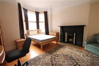 Simonside Terrace, Heaton (UW), 4 bed Terraced in Heaton-image-2
