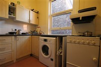 Heaton Road, Heaton (YS), 4 bed Maisonette in Heaton-image-2