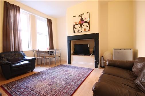 Whitefield Terrace, Heaton (XX), 4 bed Terraced in Heaton-image-8