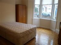 Warwick Street, Heaton (SY), 4 bed Terraced in Heaton-image-3