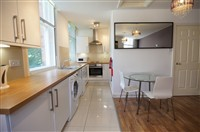 St Andrews Street, City Centre (V, Xo), 3 bed Apartment / Flat in City Centre-image-2