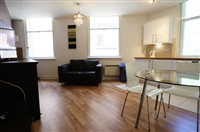 St Andrews Street, City Centre (V, Xo), 3 bed Apartment / Flat in City Centre-image-8