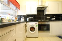 Tindal Close, City Centre (RV), 4 bed House Share in City Centre-image-2