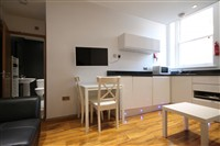 Falconars Court, City Centre (Y), 3 bed Apartment / Flat in City Centre-image-2