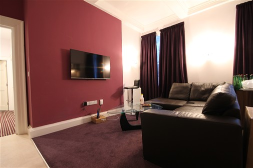 Apartment, St. James Street (V, RX), 4 bed Apartment / Flat in City Centre-image-1