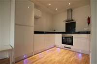 Falconars House, City Centre (RT), 1 bed Apartment / Flat in City Centre-image-2